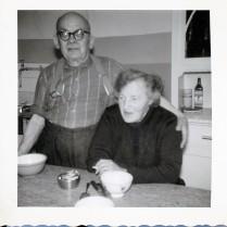 Henri und Röös in der Küche